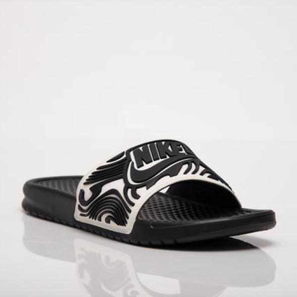 Тапочки Nike Benassi AJ6745-100